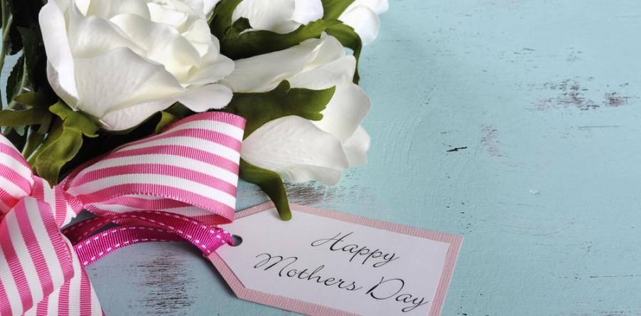 3 Gifts to Thank Mom for Making Your House a Home
